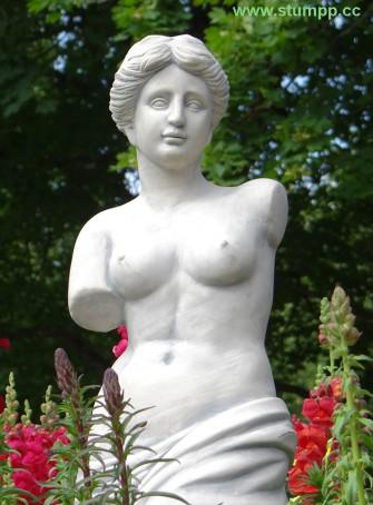 CARTOON Römische Statue vor Blumen